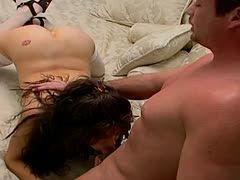 Brünette Milf Riesige Fake-Titten